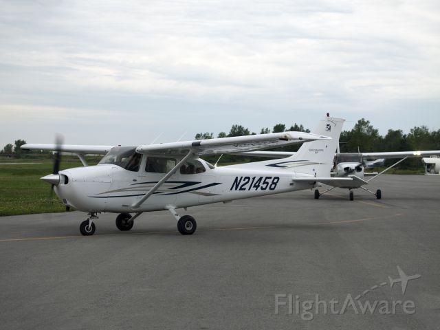 Cessna Skyhawk (N21458)