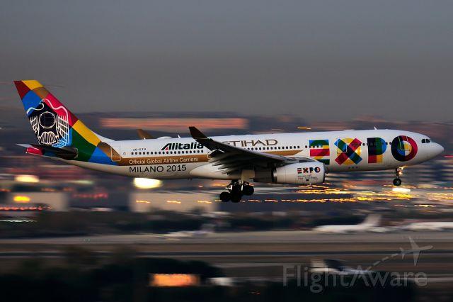 Airbus A330-300 (A6-EYH)
