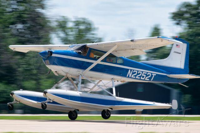 Cessna Skywagon (N2252T) - EAA Airventure 2019