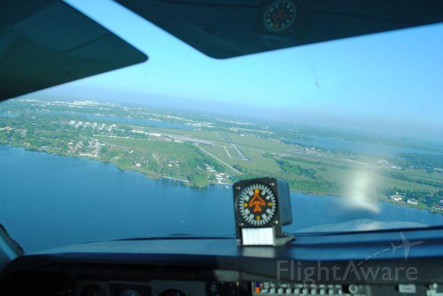 Beechcraft Bonanza (36) (N1116A) - Approaching Lakeland Airport in N116A