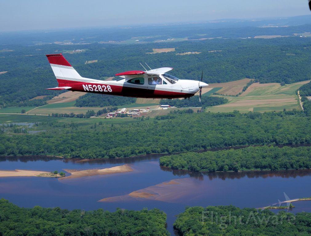 Cessna Cardinal (N52828)
