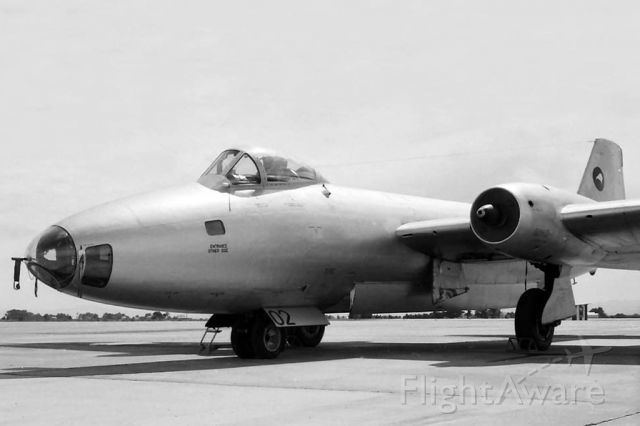 ENGLISH ELECTRIC Canberra (ANZ6102) - EE Canberra B.MK12 NZ6102 RAAF East Sale (YMES) early 1960s.
