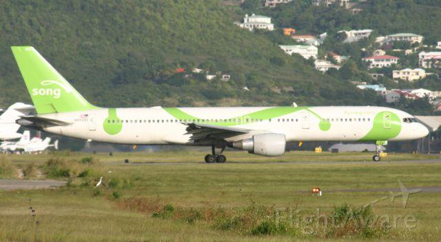 Boeing 757-200 (N652DL)