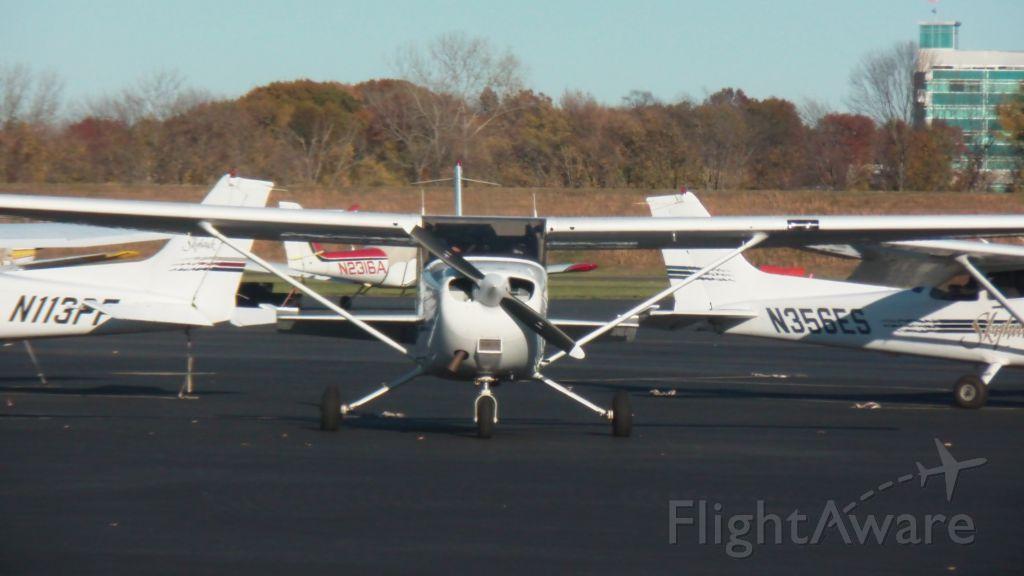 Cessna Skyhawk (N9529W)
