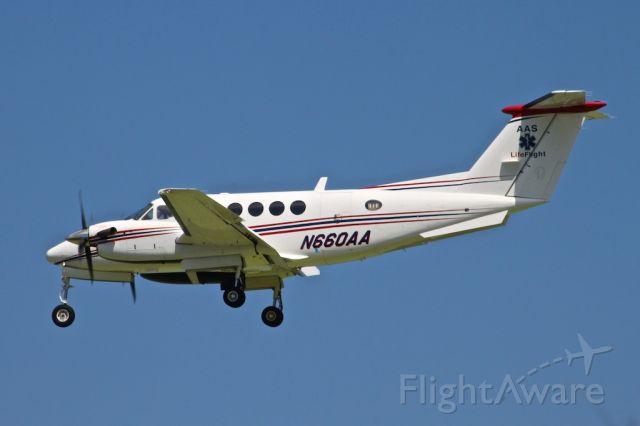 Beechcraft Super King Air 200 (N660AA)