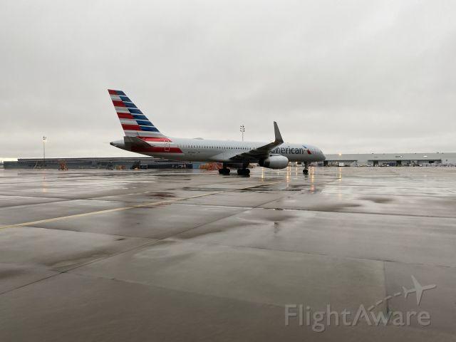 Boeing 757-200 (N176AA)
