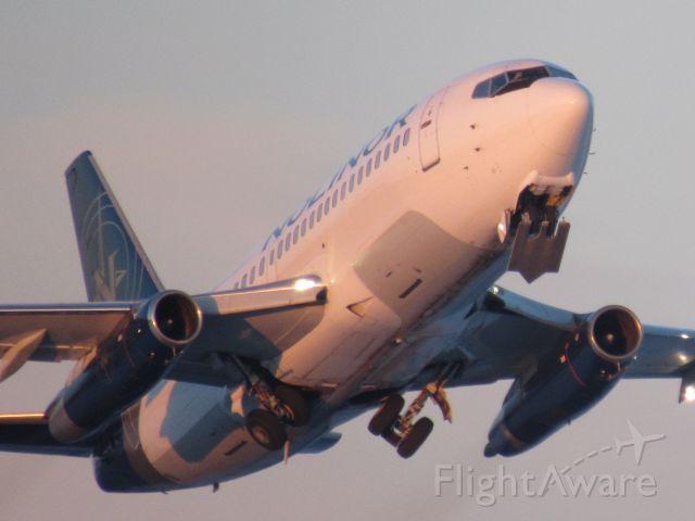 Boeing 737-200 (C-GNLK)