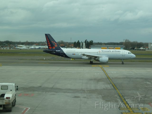 Airbus A320 (OO-SNA)