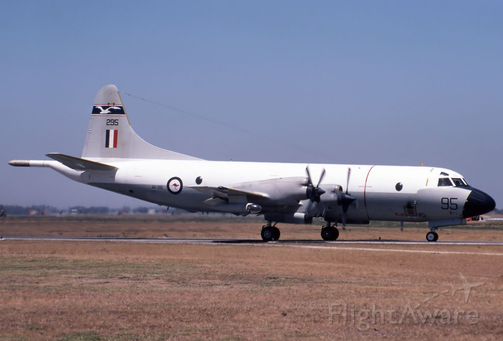 A9293 — - AUSTRALIA - AIR FORCE - LOCKHEED P-3B ORION - REG A9-293 / 93 (CN 185B-5403) - EDINBURGH RAAF BASE ADELAIDE SA. AUSTRALIA - YPED 27/3/1980