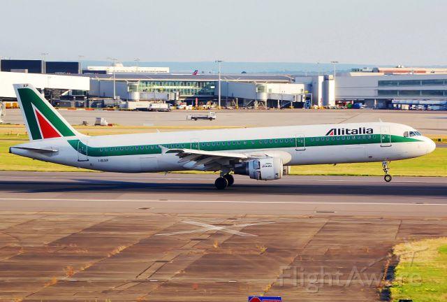 Airbus A321 (I-BIXP)