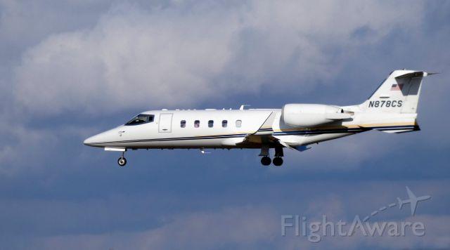 Learjet 60 (N878CS) - On final is this 2002 Learjet 60 in the Winter of 2020.