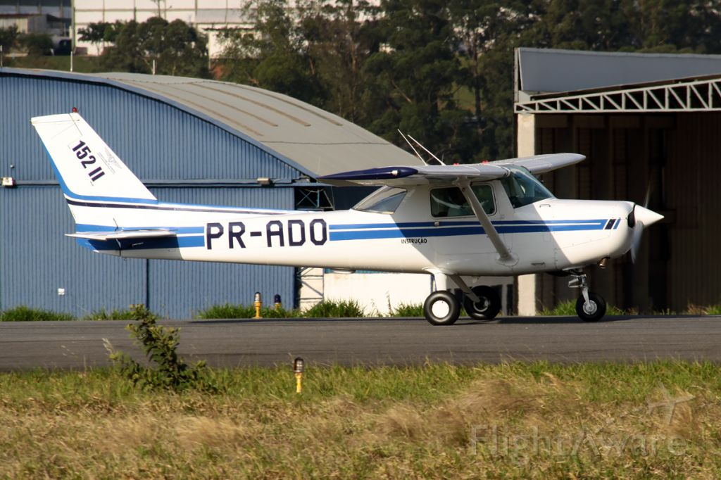 Cessna 152 (PR-ADO)