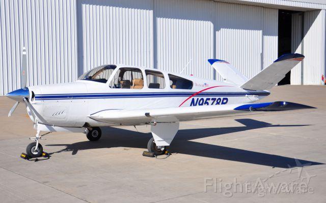 Beechcraft 35 Bonanza (NGF5225)