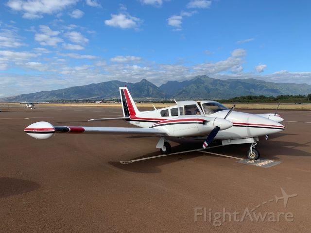 Piper PA-30 Twin Comanche (N8542Y)