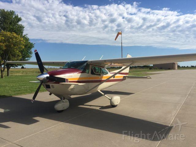 Cessna Skylane (N671PM)