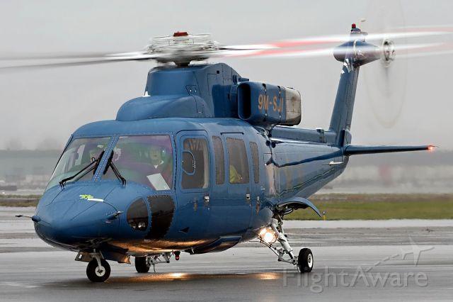 Sikorsky S-76 (9M-SJI)