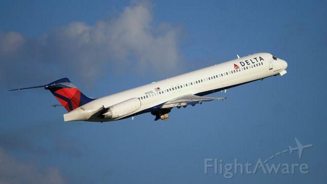 McDonnell Douglas MD-88 (N981DL) - Departing Nashville for Atlanta