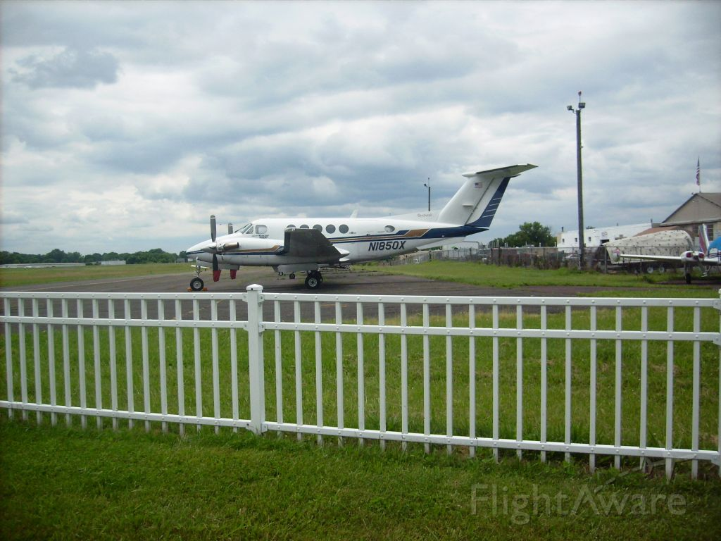Beechcraft Super King Air 200 (N1850X)