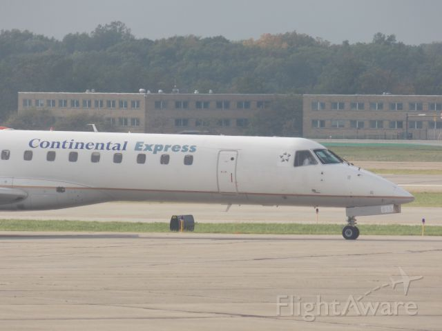 Embraer ERJ-145 (N275SK) - Good old Continental titled airplace hanging around Cleveland. A common sight in CLE, taken from gate A3