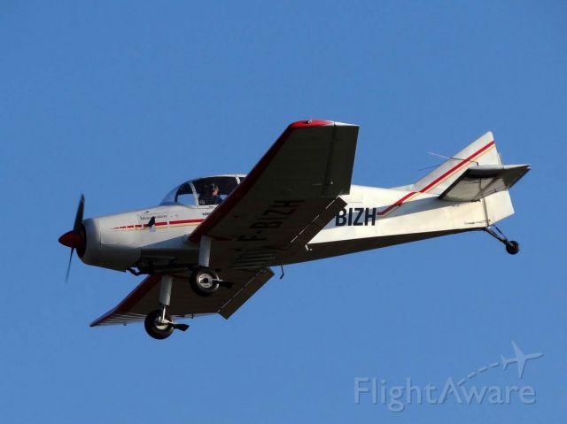F-BIZH — - Landing LFGB final Grass Rwy02 , 09.11.2015