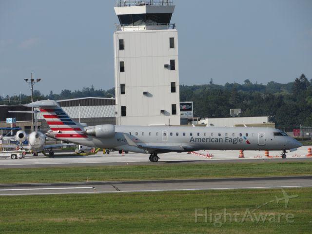 Canadair Regional Jet CRJ-700 (N542EA)