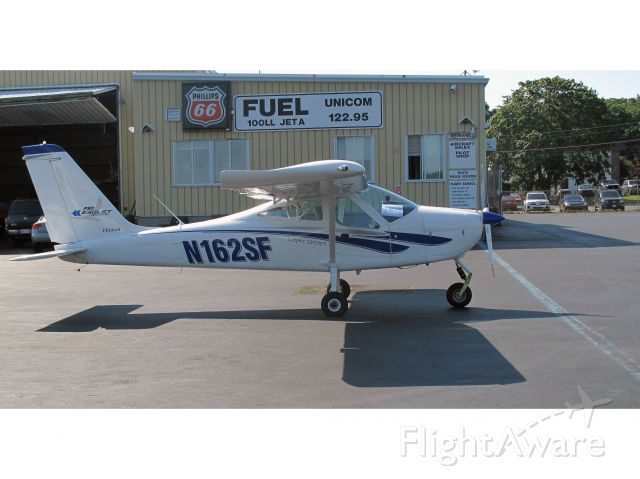 N162SF — - A new light sport aicraft at the Danbury airport!