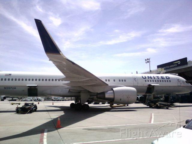 — — - Boeing 757