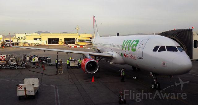 Airbus A320 (XA-VAJ)