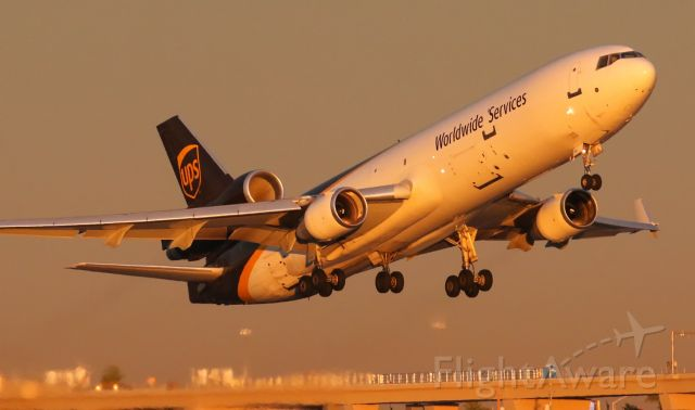 Boeing MD-11 (N288UP)