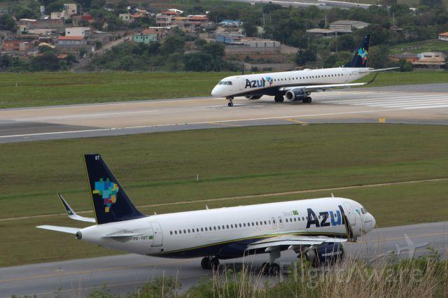Airbus A320 (PR-YRT)