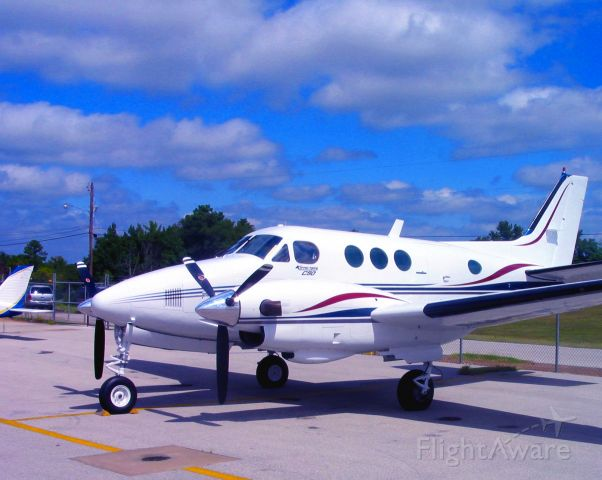 Beechcraft King Air 90 (N773PW)