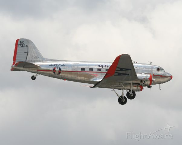 """Douglas DC-3 (NAC17334) - Check out our aviation videos with 100% authentic and non-leveled sound! <a rel=""""nofollow"""" href=""""http://youtube.com/ilikerio"""">https://youtube.com/ilikerio</a><br /><br />First Lufthansa A380 landing at Miami. This DC-3 landed along with a DC-7 before the A380 landed."""