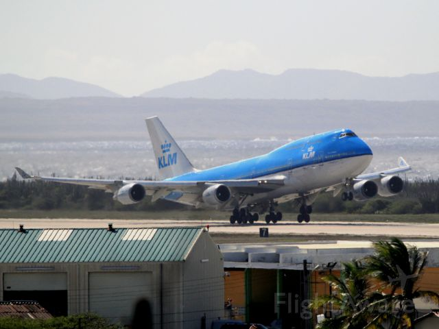 Airbus A330-300 (PH-BFA)