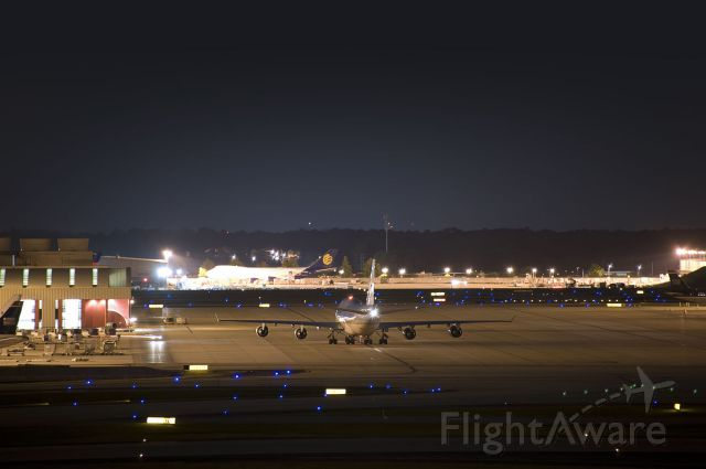 Boeing 747-400 (HL7473) - Seen at KATL on 5/14/2011.  Taken from one mile away.