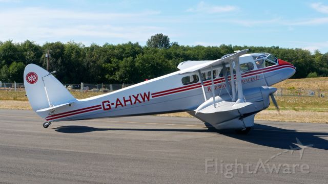 De Havilland Dragon Rapide (N683DH) - Historic Flight Foundations DeHavilland DH-89A Mk IV Dominie/Dragon Rapide (C/N 6782) taxis from their ramp for a flight on 7.21.18.