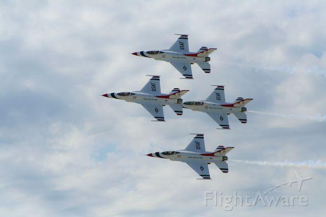 Lockheed F-16 Fighting Falcon — - The USAF Thunderbirds perform a flyover at Charles B. Wheeler Airport / K.C. Aviation Expo in Kansas City, Missouri