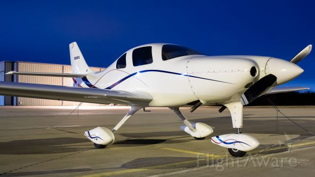 Lancair Legacy 2000 (N888L)