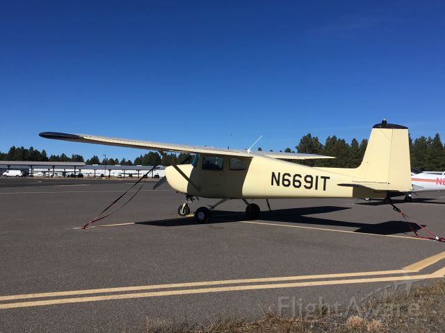 Cessna Commuter (N6691T) - Parked at Flagstaff Pulliam Airport, November 5 2018.