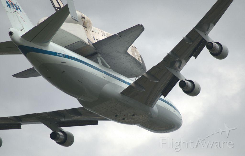 Boeing Shuttle Carrier (NASA905)