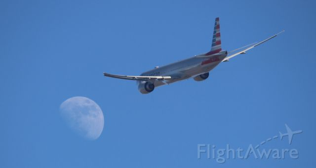 Boeing 777-200 (N735AT) - Fly me to the moon