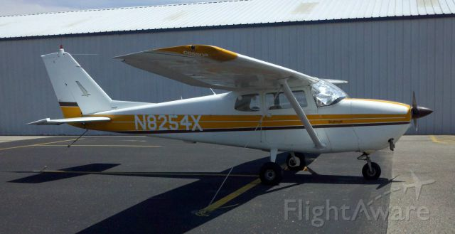 Cessna Skyhawk (N8254X)