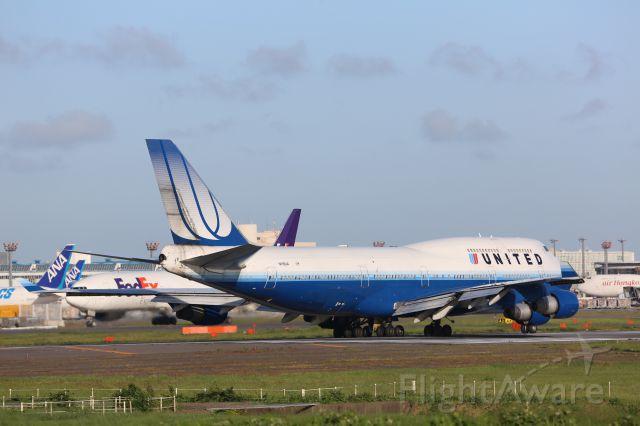Boeing 747-400 (N118UA)