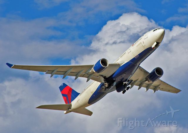 Airbus A330-300 (N853NW) - Airbus A330 - MSN 618 - N853NW Departs Salt Lake City As Delta 89 to Paris