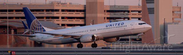 Boeing 737-700 (N38403) - phoenix sky harbor international airport 25JAN20