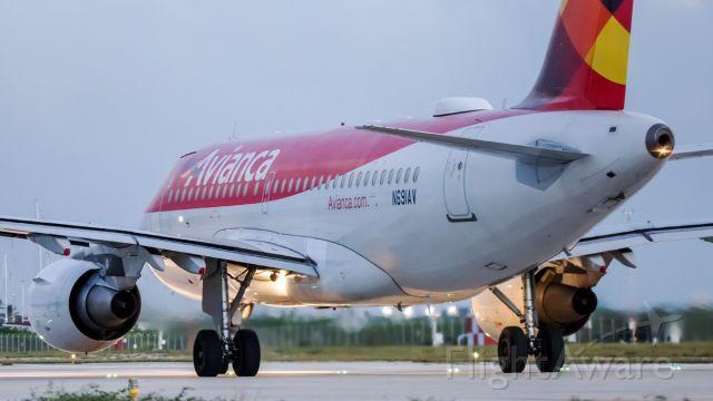 Airbus A319 (N691AV)