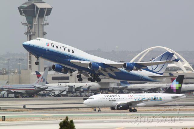 Boeing 747-400 (N117UA)