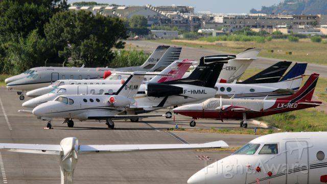 Piper Aerostar (LX-RED) - PARK NORTH - CANNES-MANDELIEU - FRANCE LFMD/CEQ H14 - H 15