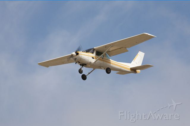 Cessna 152 (N68344) - Final, 29R, KTOA. 04/27/19