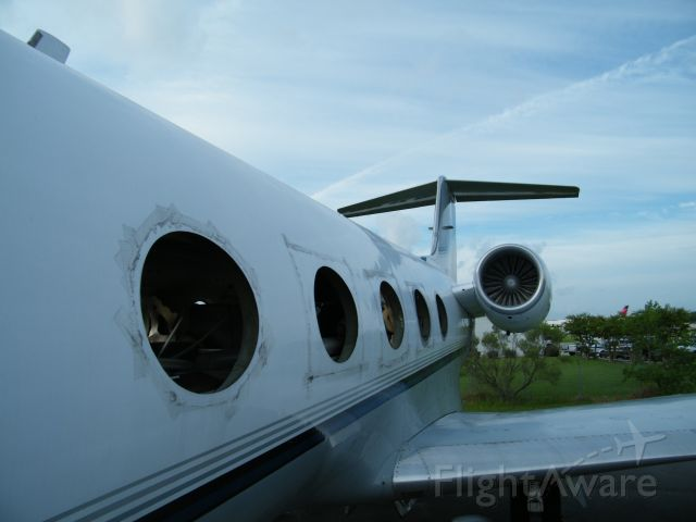 Gulfstream American Gulfstream 2 (N671LW) - Engines are still there for the time being.