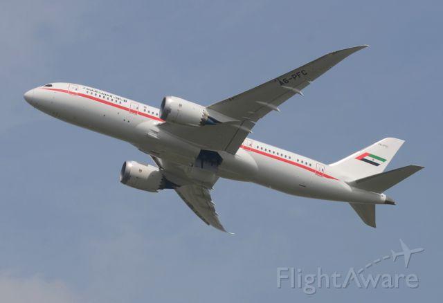 Boeing 787-8 (A6-PFC)